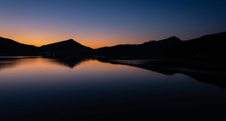 Cammino nelle Terre Mutate viaggio in centro Italia lago di Campotosto