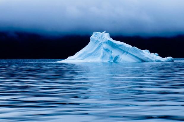 Viaggio Groenlandia iceberg nella nebbia