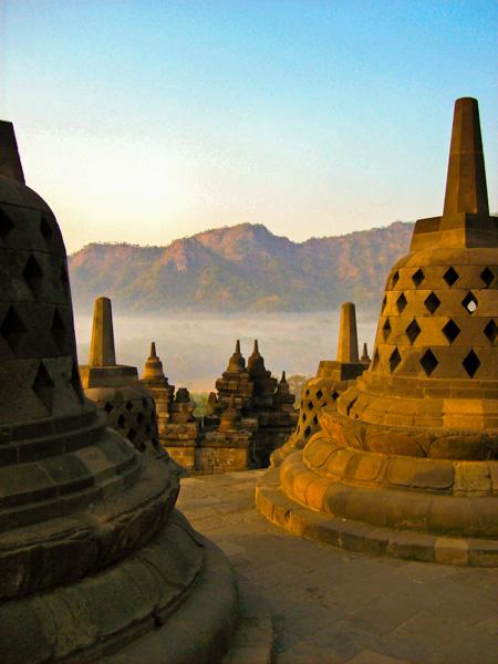 Indonesia borobudur stupa
