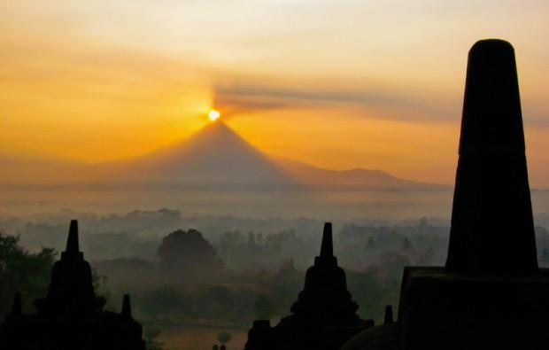 Indonesia borobudur alba