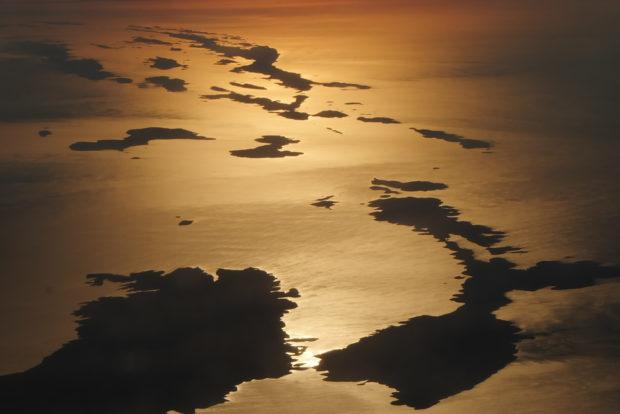 Isole e mare croazia alba dal cielo