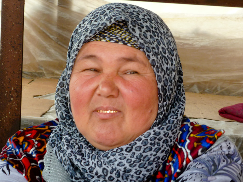 Kirghizistan denti d'oro