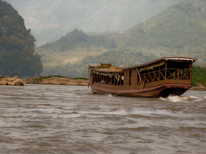 Laos barca sul mekong