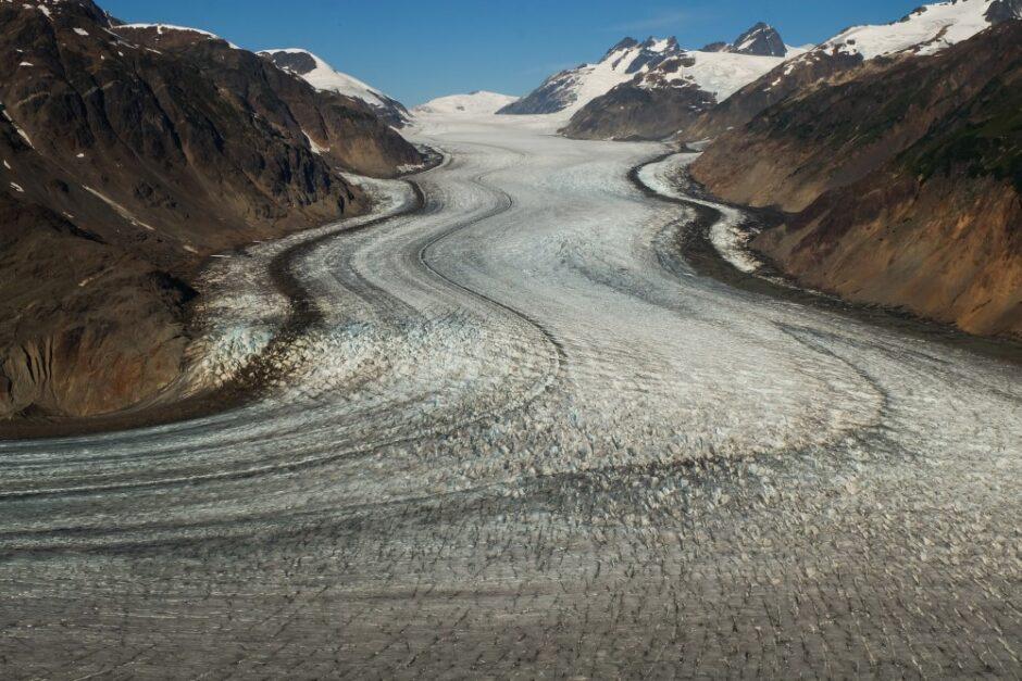 Libro di viaggio in Canada ghiacciaio confine Alaska