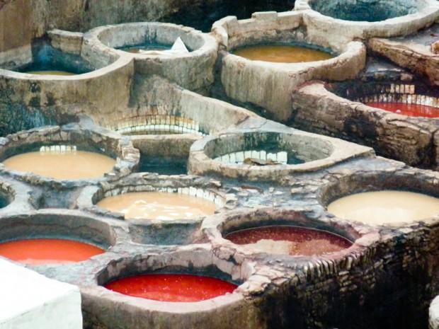 Marocco: la conciatura delle pelli nella Medina di Fez