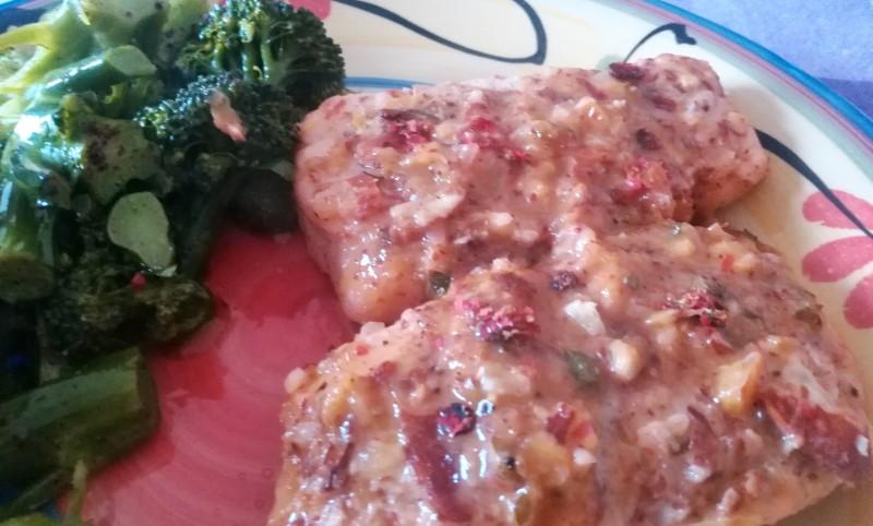 Merluzzo su crosta di mandorle con salsa di agrumi e timo