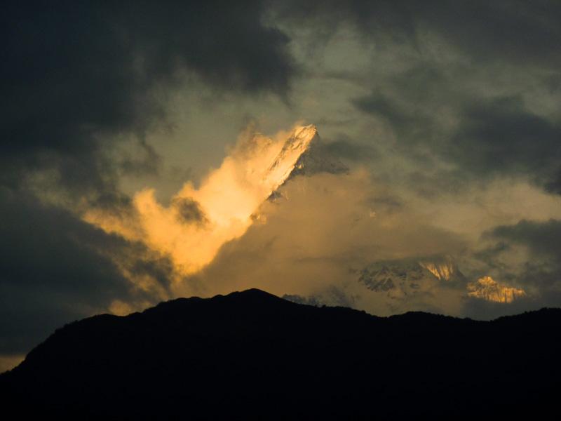Nepal Machhapuchhre tramonto