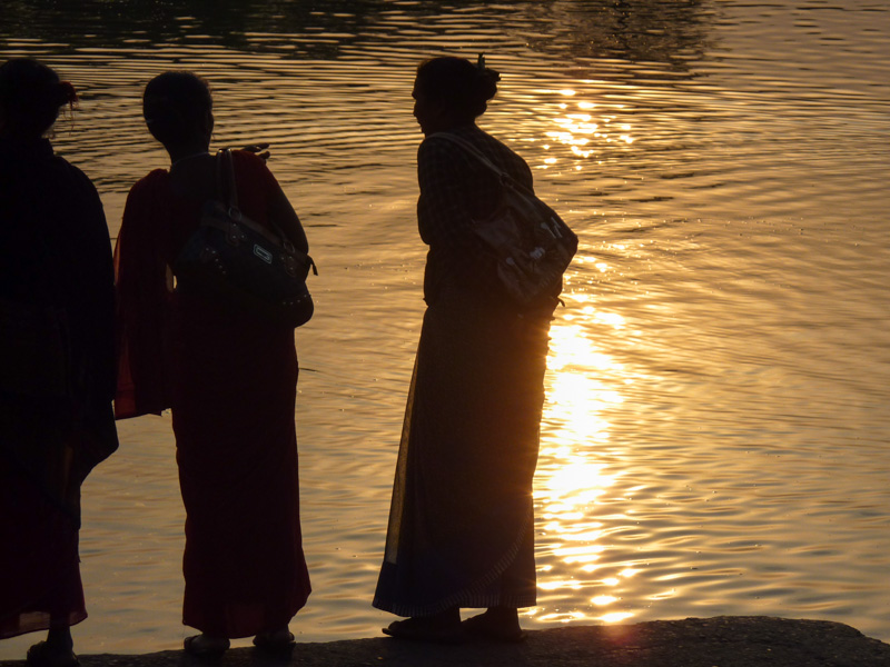 Nepal donne controluce