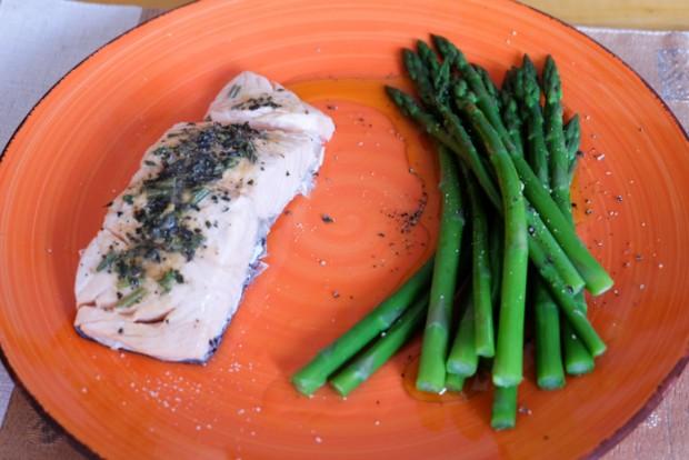 Ricetta salmone asparagi