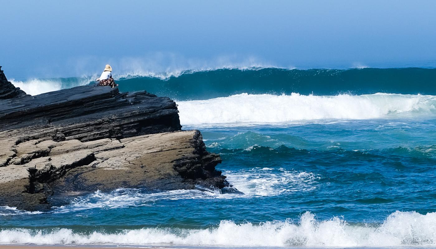 Rota Vicentina cammino a piedi Portogallo sentiero dei pescatori onde grandi