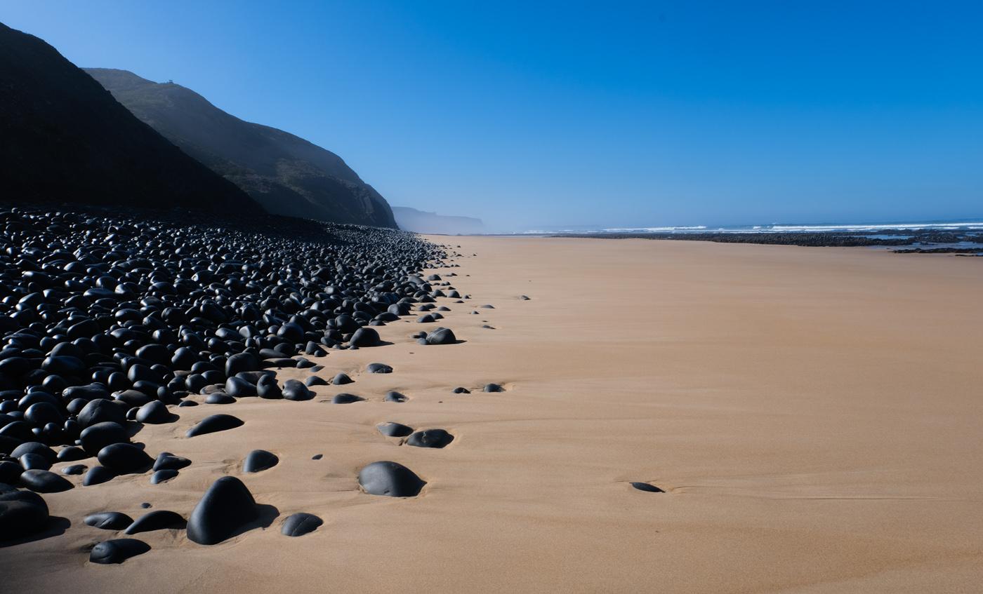 Rota Vicentina cammino a piedi Portogallo sentiero dei pescatori sassi