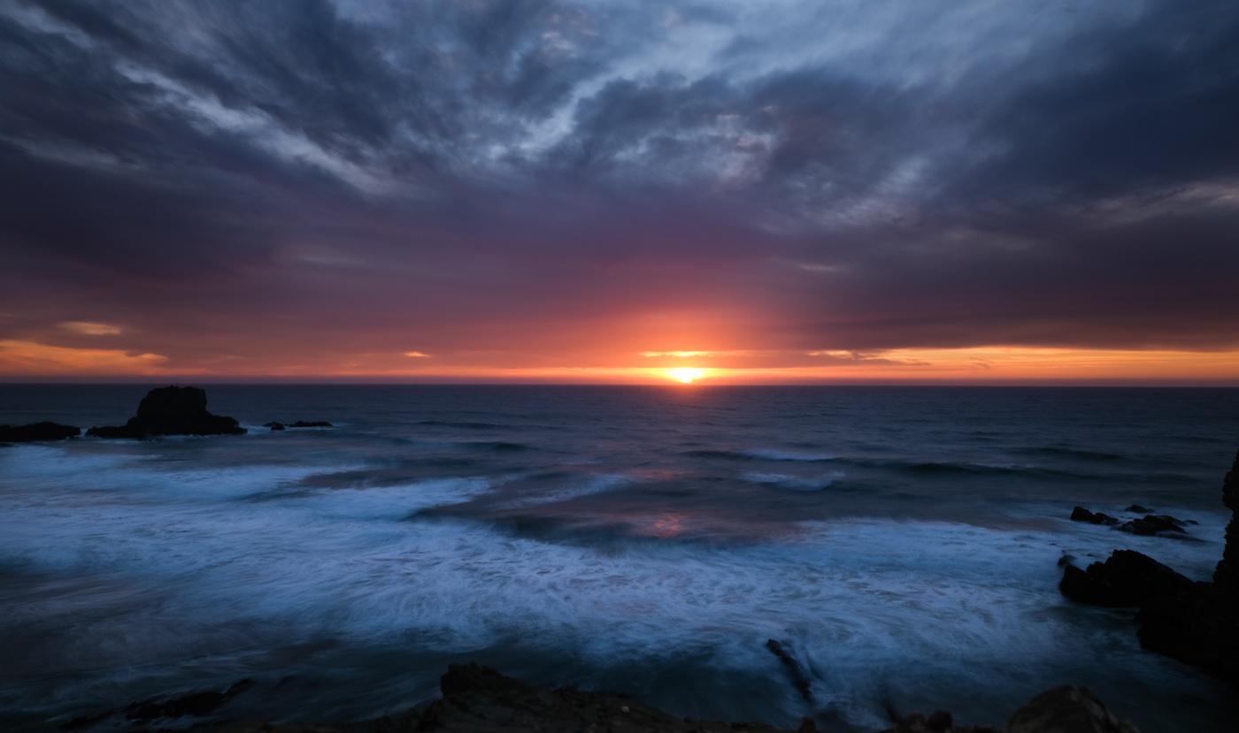 Rota Vicentina cammino a piedi Portogallo sentiero dei pescatori tramonto oceano