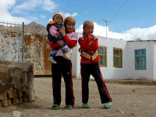 Tagikistan bambini - via della seta