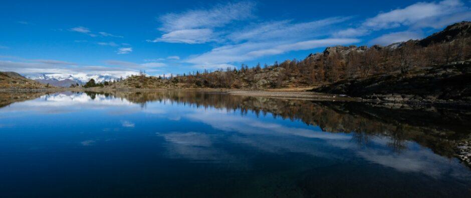 Trekking rifugio barbustel laghi parco naturale mont avic valle aosta champorcher lago bianco