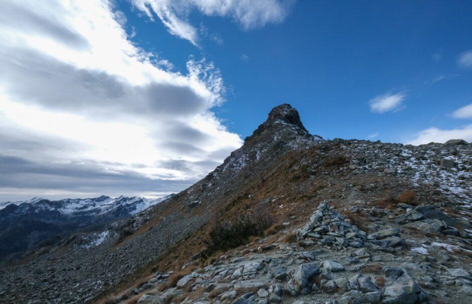 Trekking rifugio barbustel laghi parco naturale mont avic valle aosta champorcher passo lac blanc