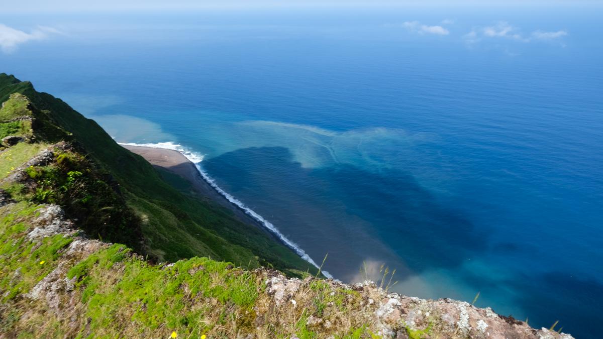 Viaggio a Corvo isole Azzorre panorama cratere