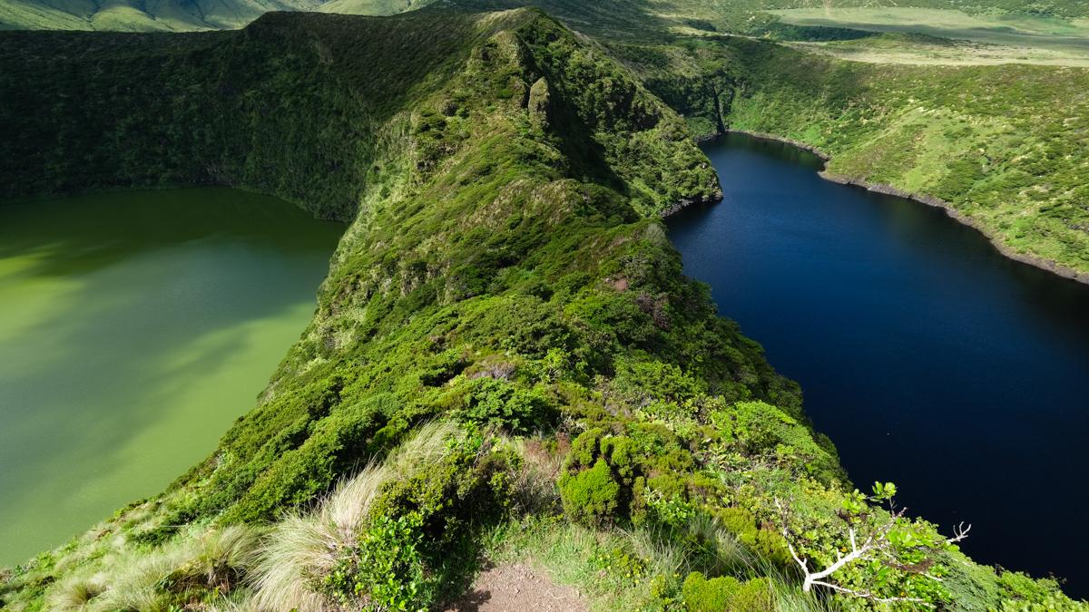 Viaggio a Flores e Corvo isole Azzorre laguna comprida