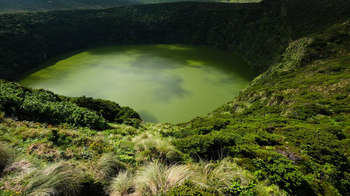 Viaggio a Flores e Corvo isole Azzorre laguna verde