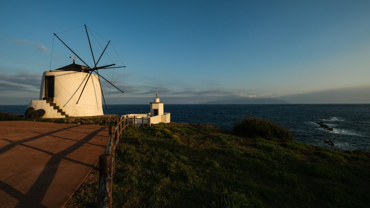 Viaggio a Flores e Corvo isole Azzorre mulini a vento