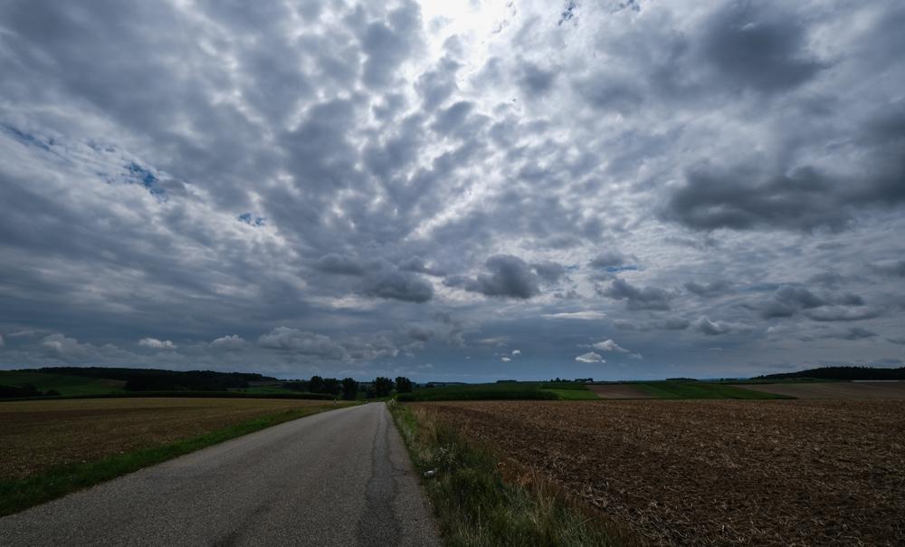 Viaggio in bicicletta strada romantica baviera da fussen a wurzburg romantische strasse cielo nuvole