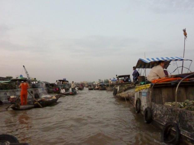 Vietnam mercato galleggiante