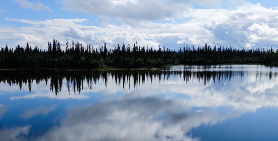 canada territori del nord ovest dempster highway riflessi