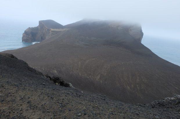 capelinhos vulcano nebbia azzorre