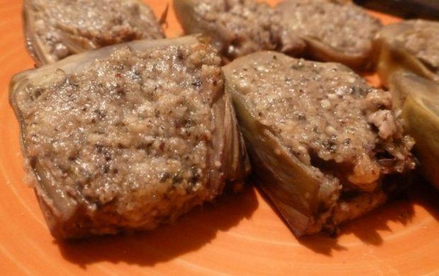 ricetta carciofi ripieni mandorle, parmigiano, limone, olio, sommacco, aglio, prezzemolo