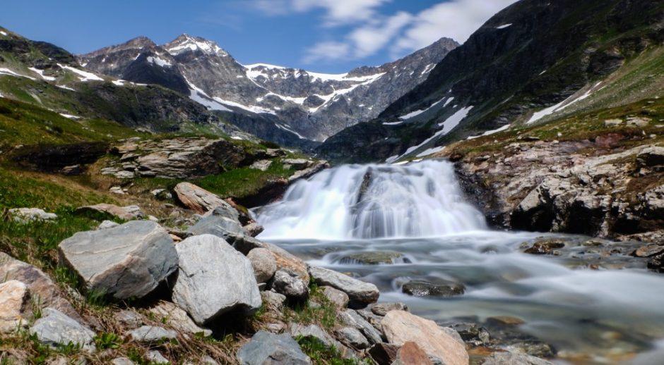 cascata trekking lago di san grato valgrisanche sentiero escursione aosta