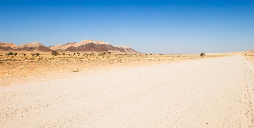 colori deserto stada viaggio namibia