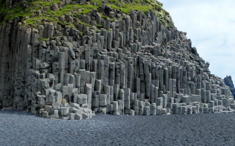 islanda spiaggia nera Reynisfjara colonne