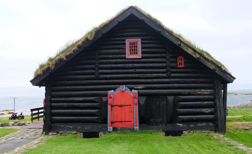 isole faroe viaggio cosa vedere a torshavn Kirkjubour casa tetto erba