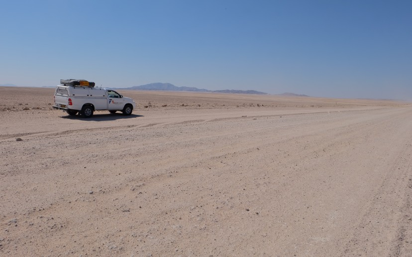 itinerario viaggio namibia auto a noleggio strada sabbia