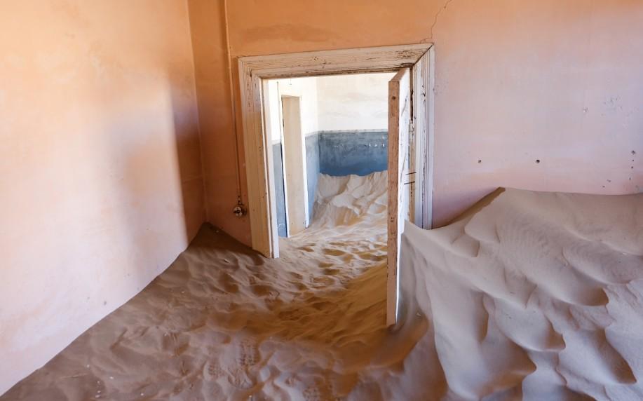kolmanskop viaggio in namibia sabbia