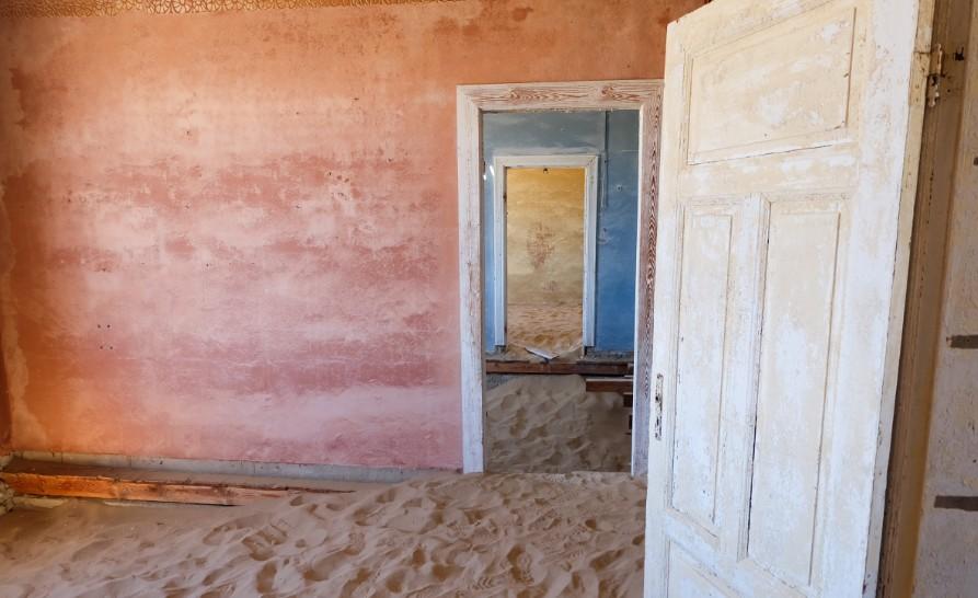 kolmanskop viaggio in namibia stanze
