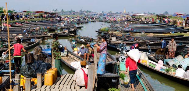 lago inle mercato barche