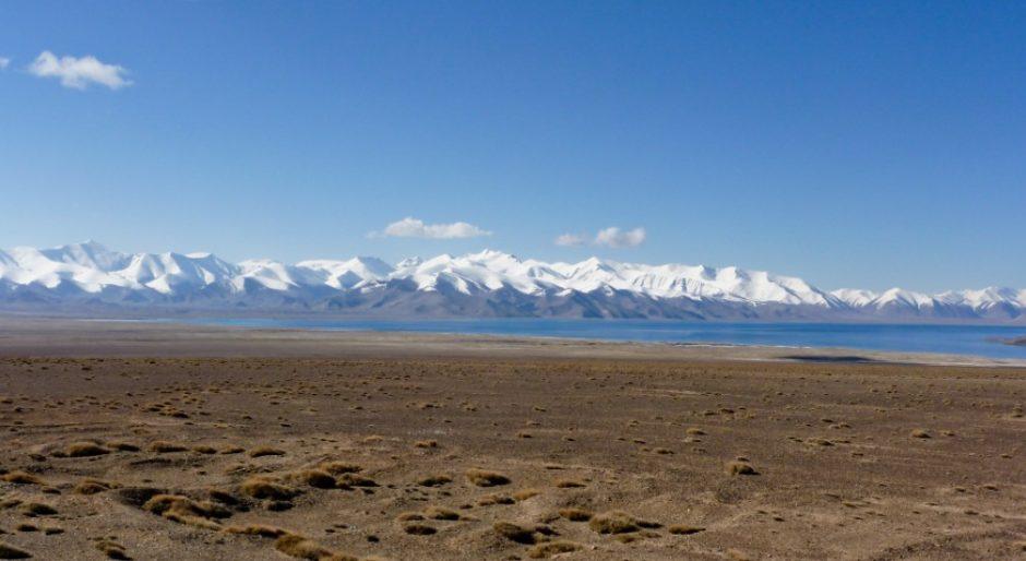 lago karakul pamir highway