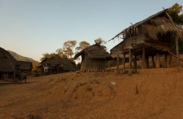laos villaggio trekking muang sing