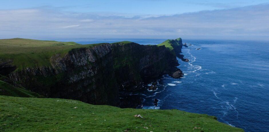 libro di viaggio Isole Faroe panorama promontorio