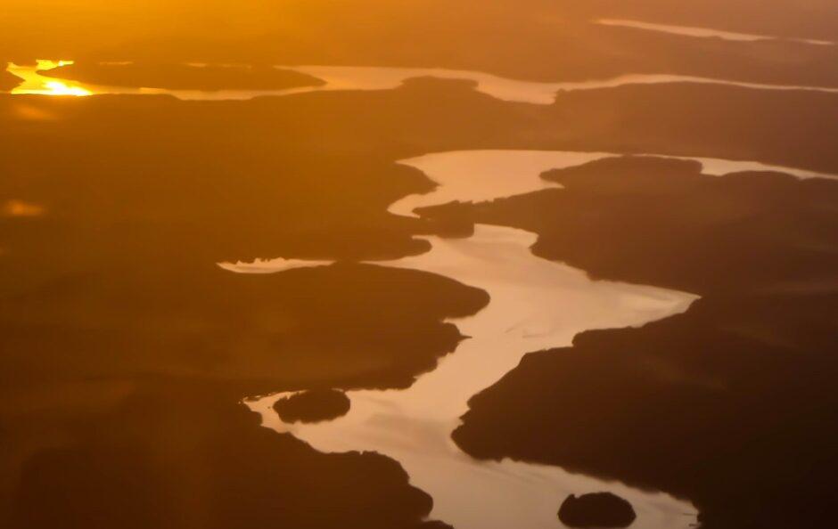 libro di viaggio Norvegia tramonto sul fiordo