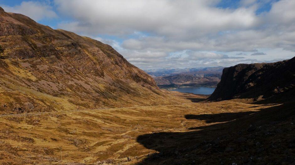 libro di viaggio Scozia Applecross strada
