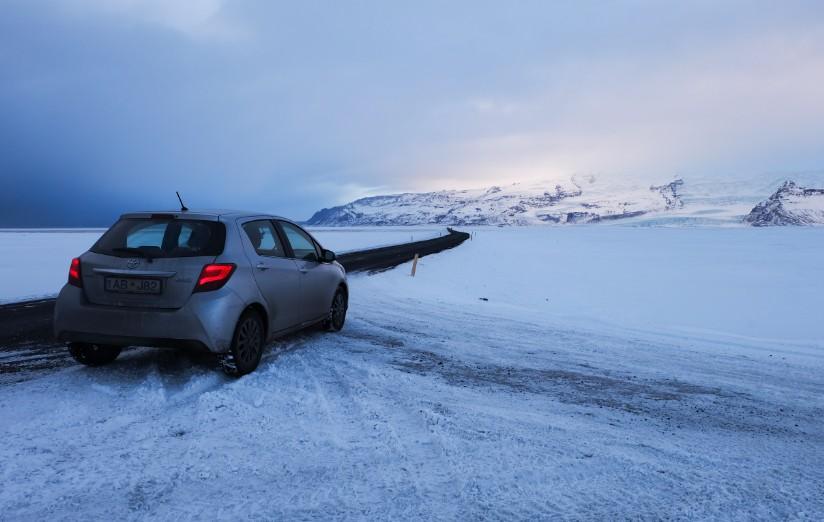 lslanda auto a noleggio in inverno