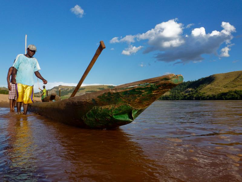 madagascar piroga Tsiribihina