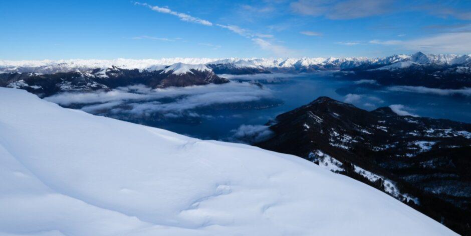 monte san primo sentiero ciaspole inverno vista sul Lago di Como