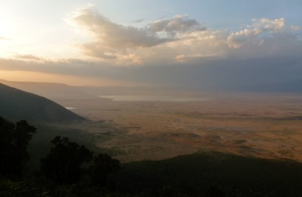 ngorongoro caldera tramonto