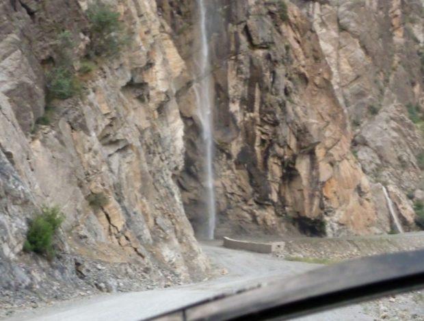 pamir highway cascata
