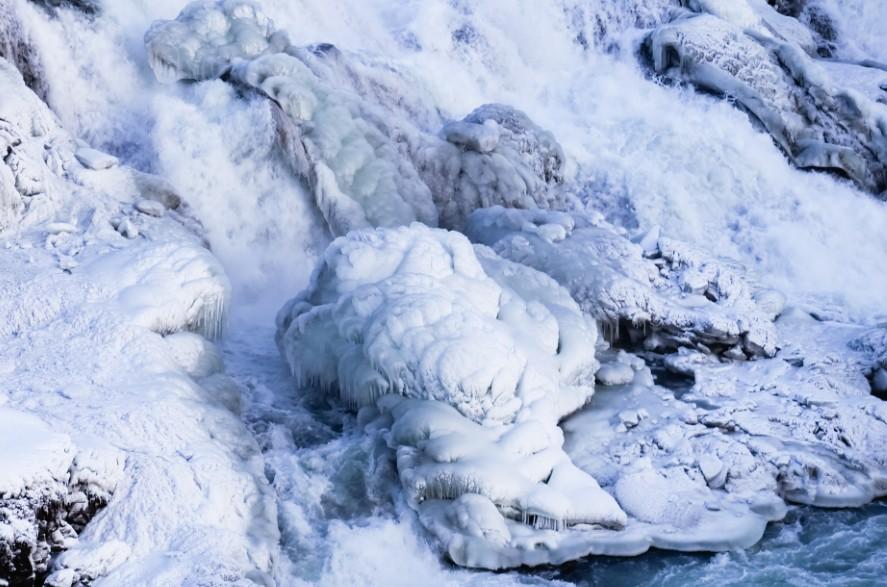 racconto di viaggio islanda gullfoss inverno cascata ghiacciata