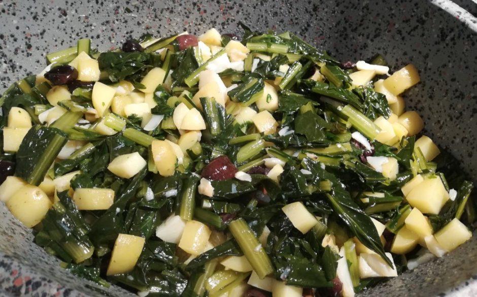 Baccalà e patate con catalogna e olive