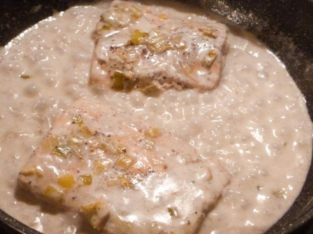 ricetta salmone, latte cocco, porro, sommacco