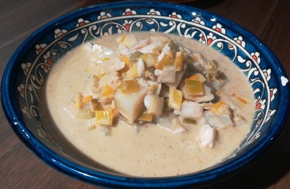 Zuppa di merluzzo e sedano rapa al latte di cocco, in stile Thai